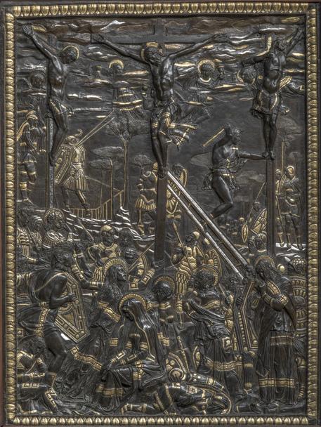 Restauri: concluso intervento bronzo Crocifissione Donatello
