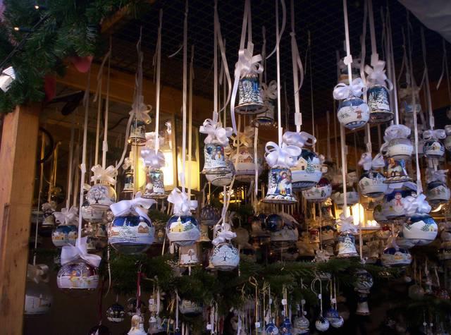 Addobbi Natalizi Tedeschi.Il Mercatino Di Natale Tedesco Il Weihnachtsmarkt In Piazza Santa