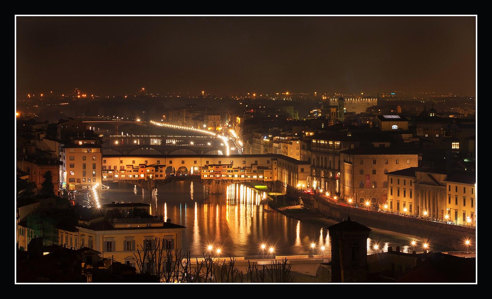 Illuminazione delle piazze : Le-luci-della-notte-di-firenze.jpg