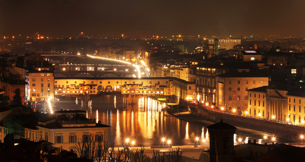 Le luci della notte di Firenze