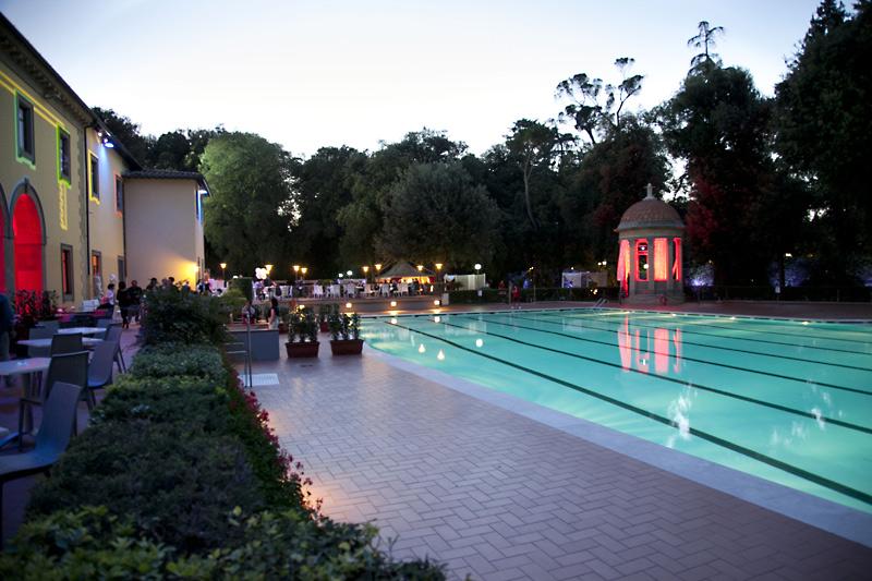 Spiaggia e piscine in citt eventi firenze concerti spettacoli festival mostre musei - Piscina hidron campi ...